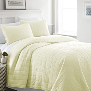 Linen Market Square Patterned Quilted Coverlet Set, Twin, Yellow