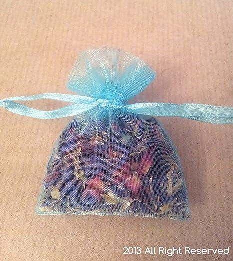 Seca pétalos de rosa y Cornflowers en pequeñas bolsas, azul ...