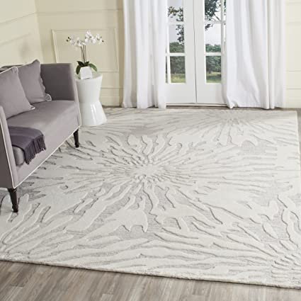 1d3f9ab2d Safavieh Bella Collection BEL129A Handmade Silver and Ivory Premium Wool  Round Area Rug (5
