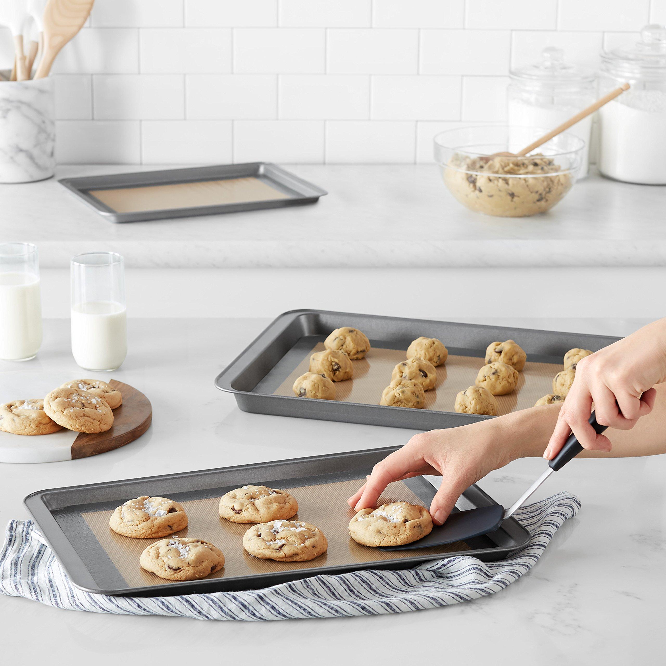 AmazonBasics Silicone Baking Mat - 3-Piece Set by AmazonBasics (Image #2)