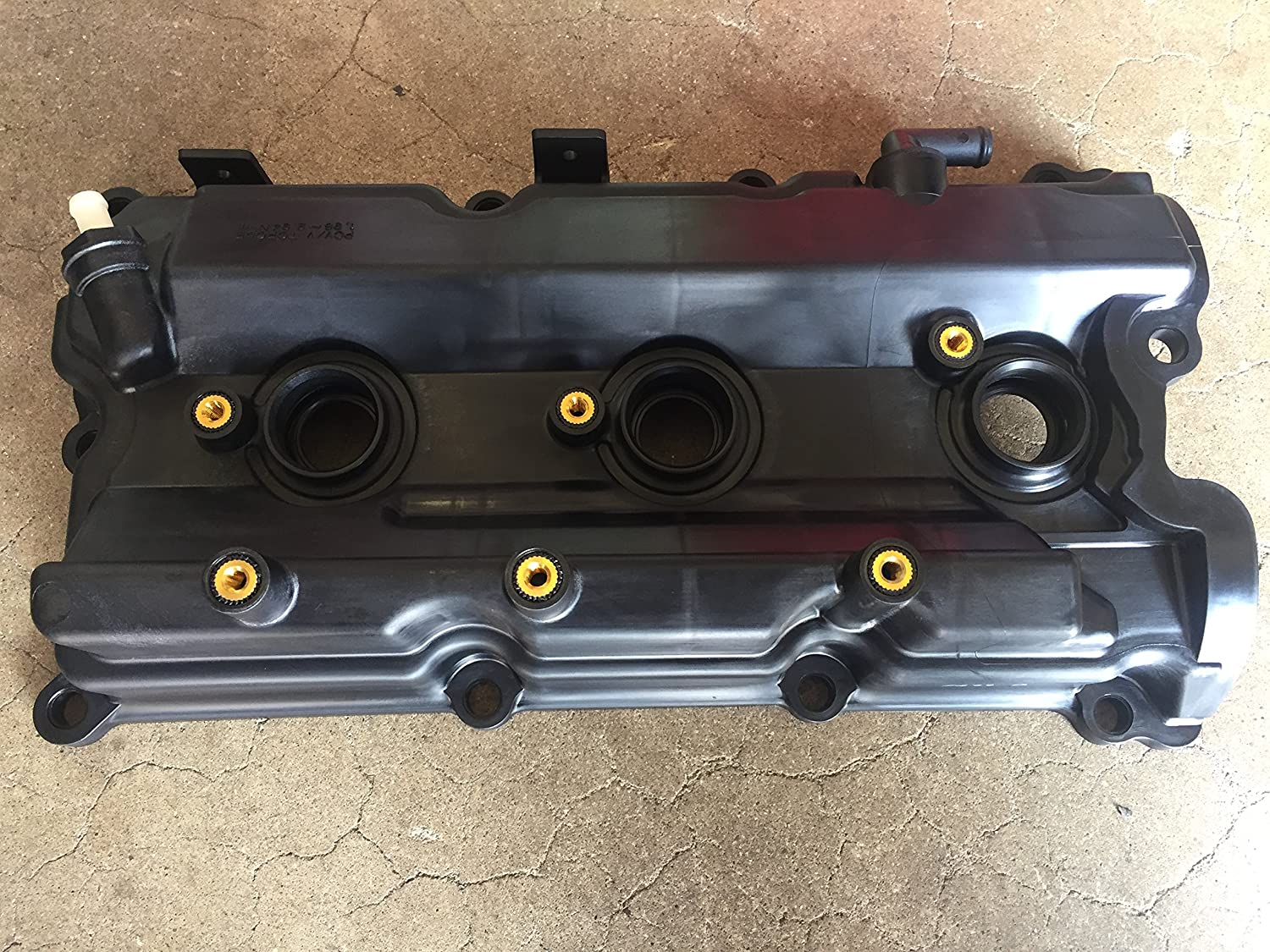 amazon com new oem nissan pathfinder 2002 2004 3 5 only right passenger side valve cover automotive new oem nissan pathfinder 2002 2004 3 5 only right passenger side valve cover