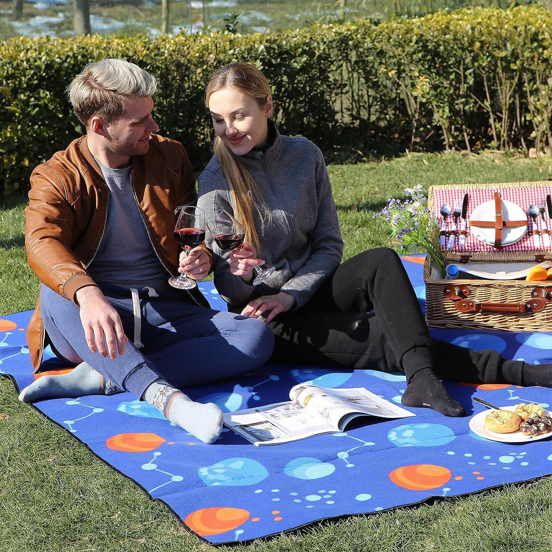 SONGMICS 200 x 200 cm Manta de Picnic Alfombra Colch/ón para Camping Playa Jard/ín Impermeable Plegable GCM70UQ