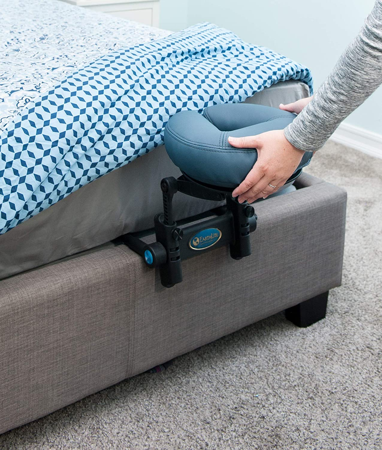 EARTHLITE Massage Kit Travelmate - Ultra-Portable Face Down Tabletop Massage System perfect for Vitrectomy Recovery & On-The-Go Massage, Black: Sports & Outdoors