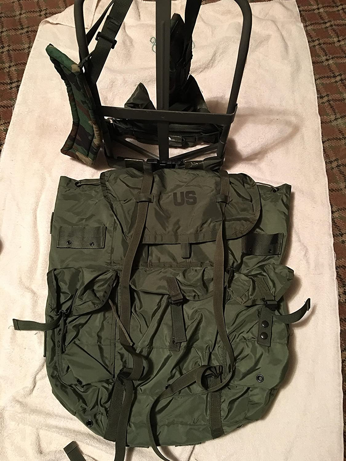 Amazon.com   USGI Military Large Olive Drab Alice Pack w  Straps   Frame    Pad   External Frame Backpacks   Sports   Outdoors 7d919420be9