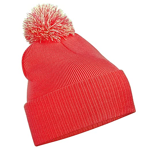 ea6c65afade Amazon.com  Beechfield Junior Snowstar Duo Winter Beanie Hat   Schoolwear  (One Size) (Bright Red   Off White)  Clothing