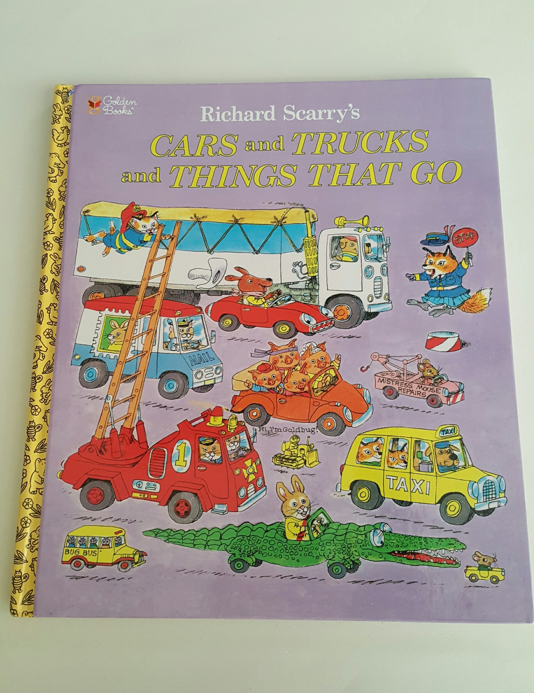 Richard Scarrys Cars and Trucks and Things That Go: 0033500857850:  Amazon.com: Books