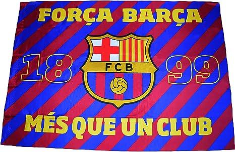 Fútbol Club Barcelona - Bandera del F.C. Barcelona con el escudo y el lema «Més que un club» - Dimensiones: 140 x 100 cm. - Diseño oficial del F.C. Barcelona: Amazon.es: Deportes y aire libre