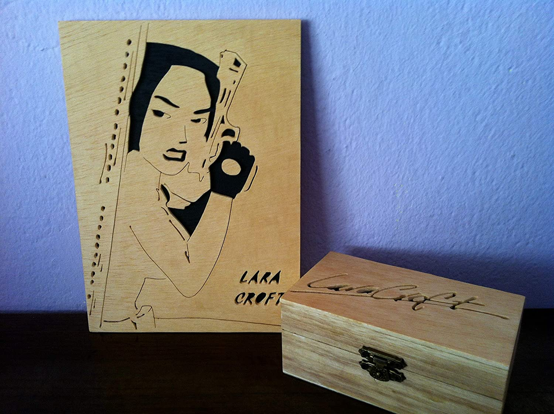 Lara croft cuadro + caja de madera: Amazon.es: Handmade