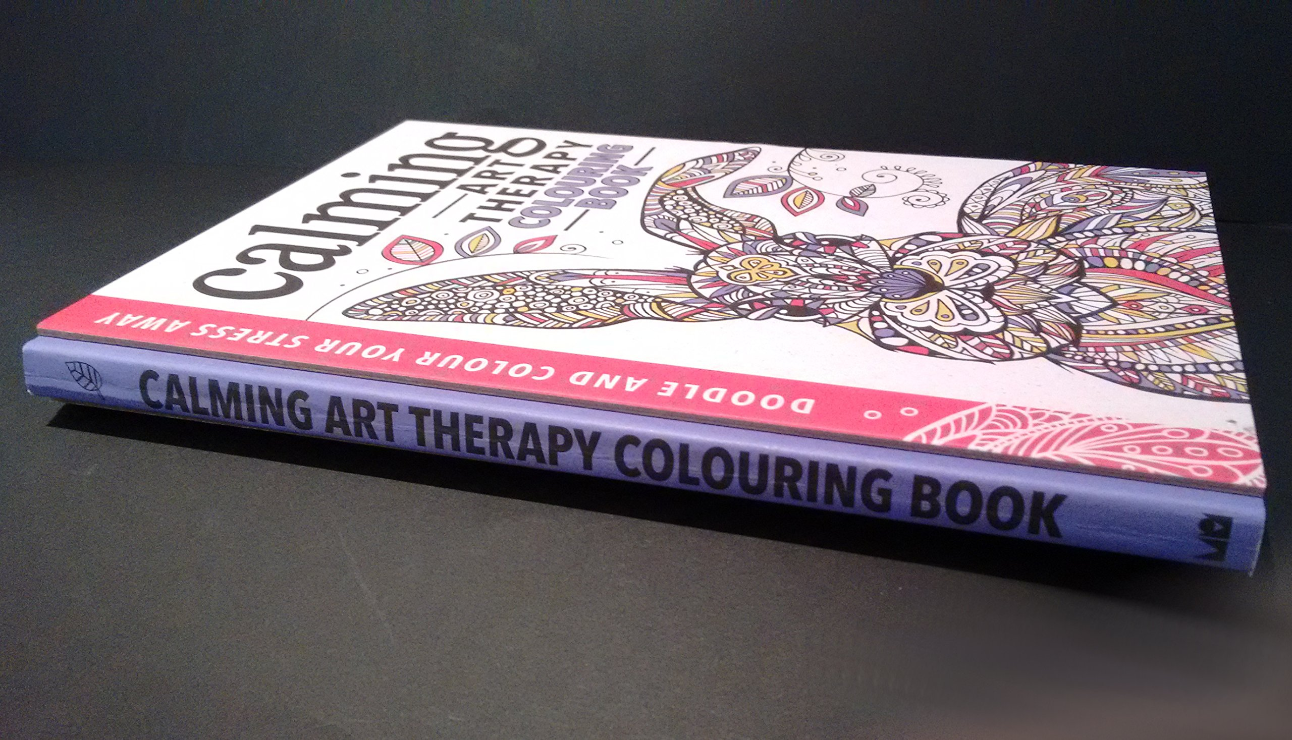 Art therapy coloring book michael omara - Calming Art Therapy Doodle And Colour Your Stress Away Hannah Davies Cindy Wilde Richard Merritt 9781782434214 Amazon Com Books