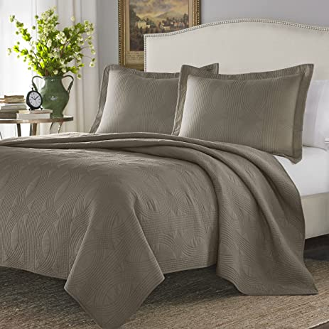 Amazon.com: Stone Cottage Cotton Quilt Set, King, Taupe: Home ... : what is a quilt set - Adamdwight.com
