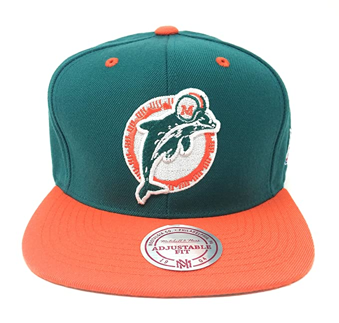 aca002af Amazon.com : Mitchell And Ness Sta3 Retro Miami Dolphins Snapback Hat Teal.  Size: Sports Fan Baseball Caps : Clothing