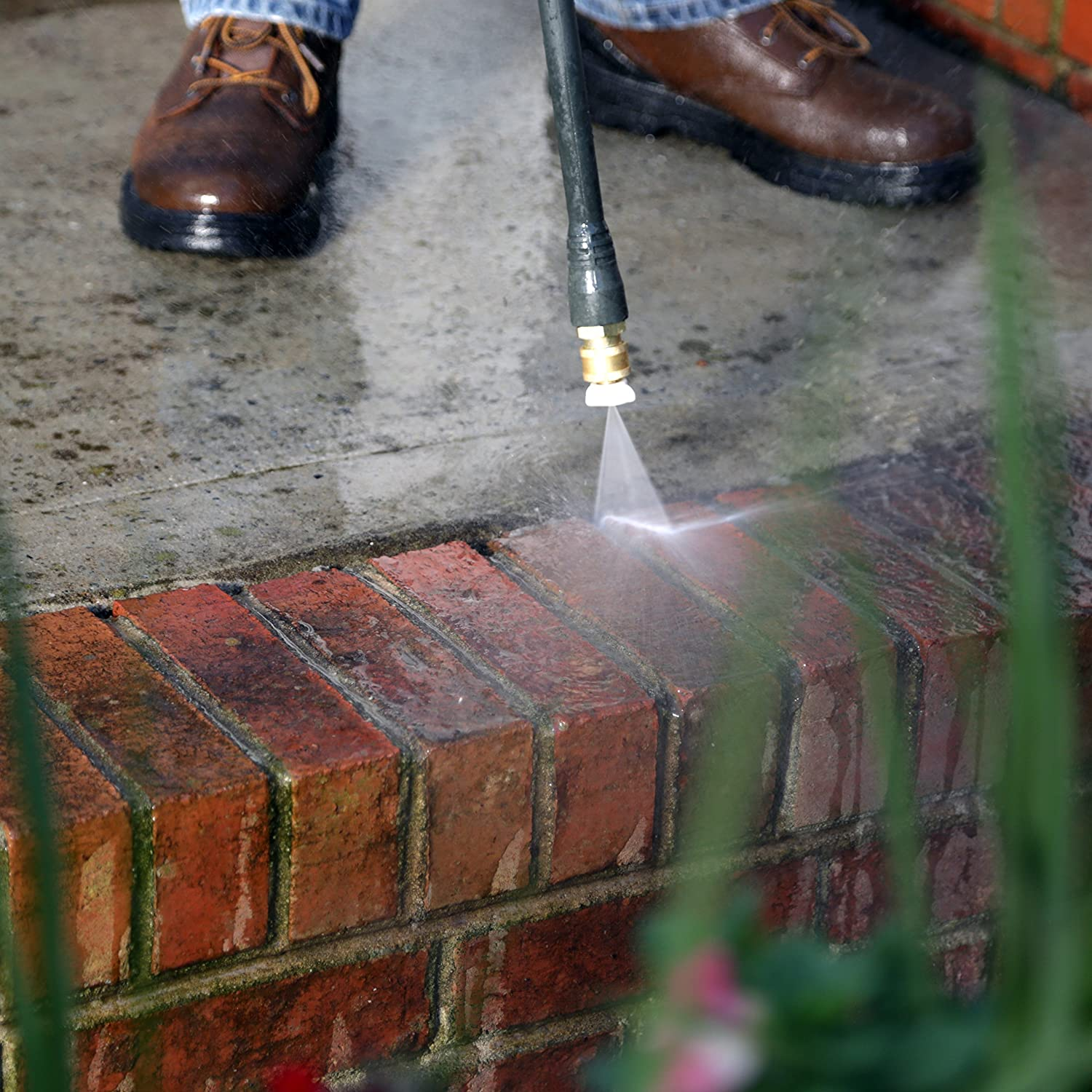 The Best Electric Pressure Washers For Your Garden: Reviews & Buying Guide 9