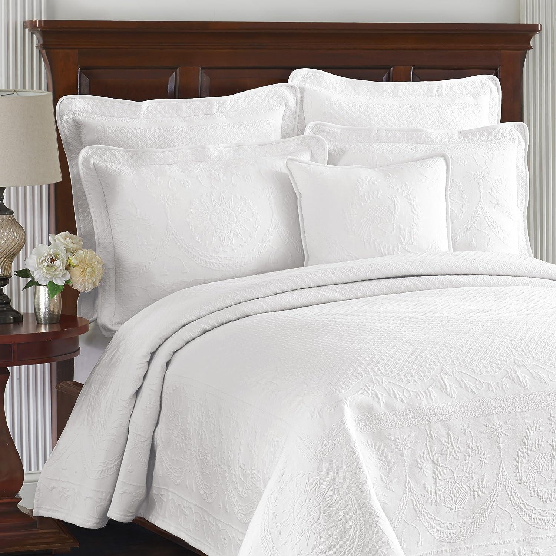 Queen White Historic Charleston King Charles Matelasse 13989BEDDQUEWHI Bedspread