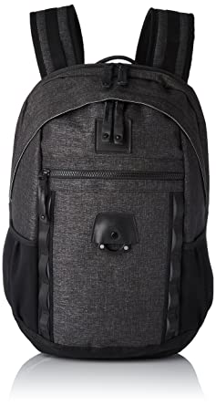 ee1c19923 Amazon.com: Oakley Mens Voyage 22L Backpack One Size Blackout: Clothing