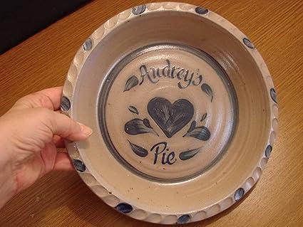 Personalized Pie Plate - Rowe Pottery & Amazon.com: Personalized Pie Plate - Rowe Pottery: Pie Pans: Kitchen ...