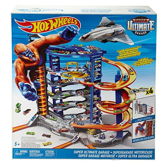 Amazoncom Hot Wheels The Super Ultimate Garage Toys Games
