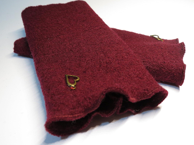 Armstulpen / Pulswärmer aus Walkwolle (Walk, Walkstoff) in Bordeaux-Rot; Charm (goldfarbenes Designer-Herzchen)