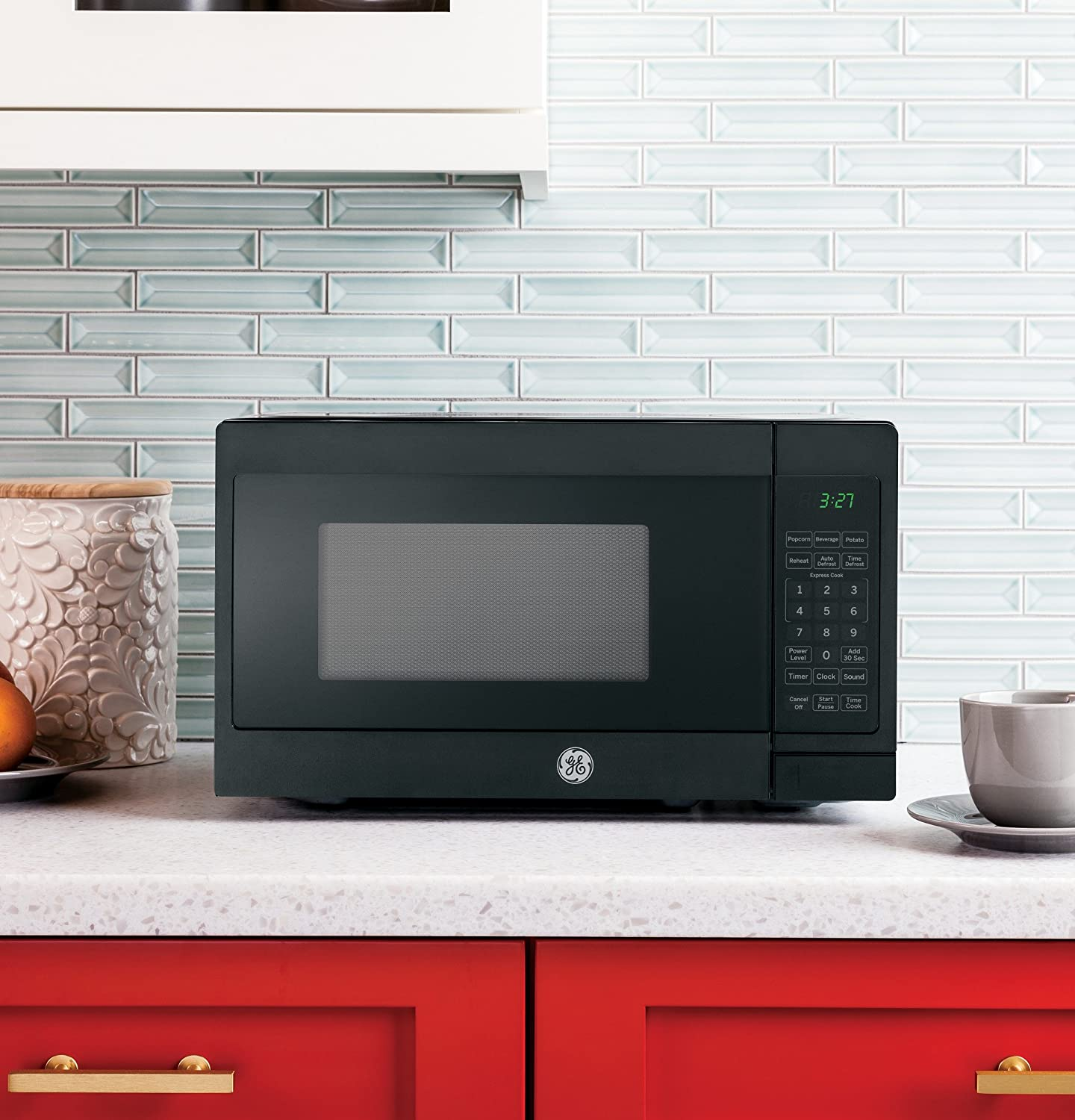 Amazon.com: GE 0.7 Cu. Ft. Capacity Countertop Microwave Oven ...