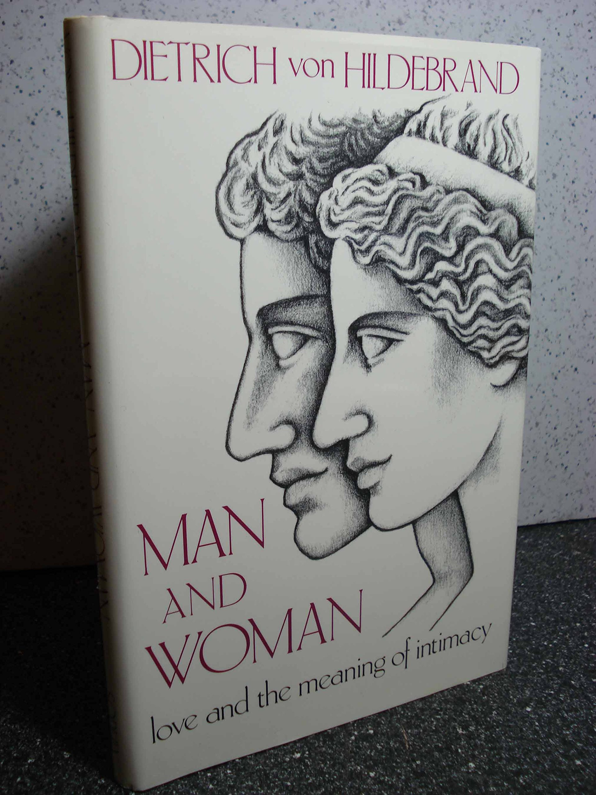 Amazon.com: Man and Woman: Love & the Meaning of Intimacy (9780918477149):  Dietrich Von Hildebrand: Books