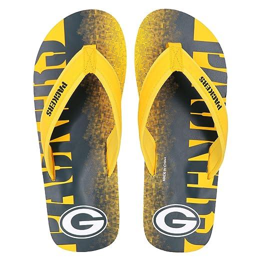 de723bc2126233 Amazon.com   NFL Football Mens Team Contour Fade Wordmark Flip Flop Sandals    Sports   Outdoors