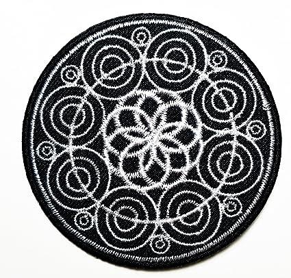 Amazon.com: Negro Aum hindú OM de flor de loto y parche ...