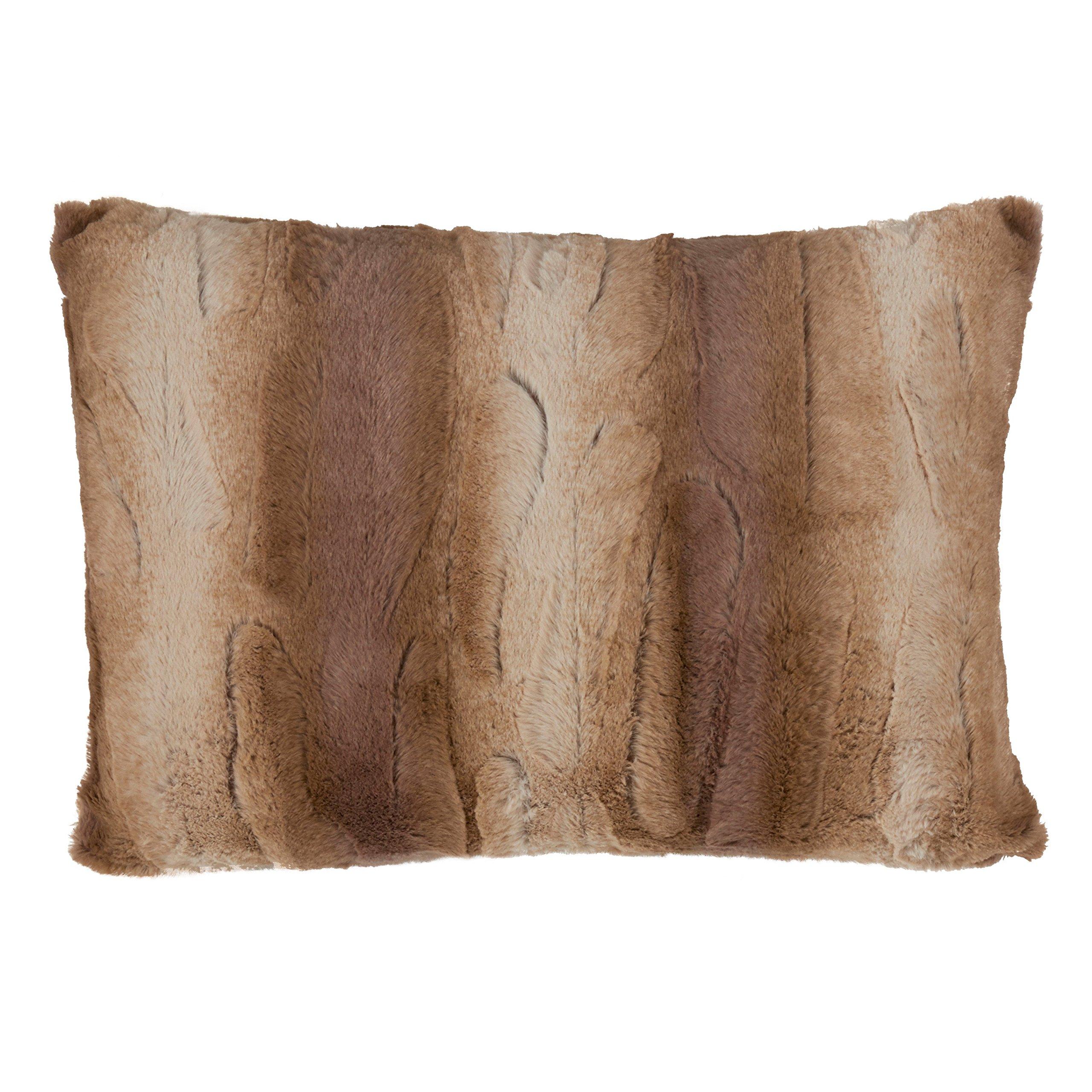 SARO LIFESTYLE Wilma Collection Timeless Animal Print Faux Fur Poly Filled Throw Pillow, 14'' x 20'', Natural