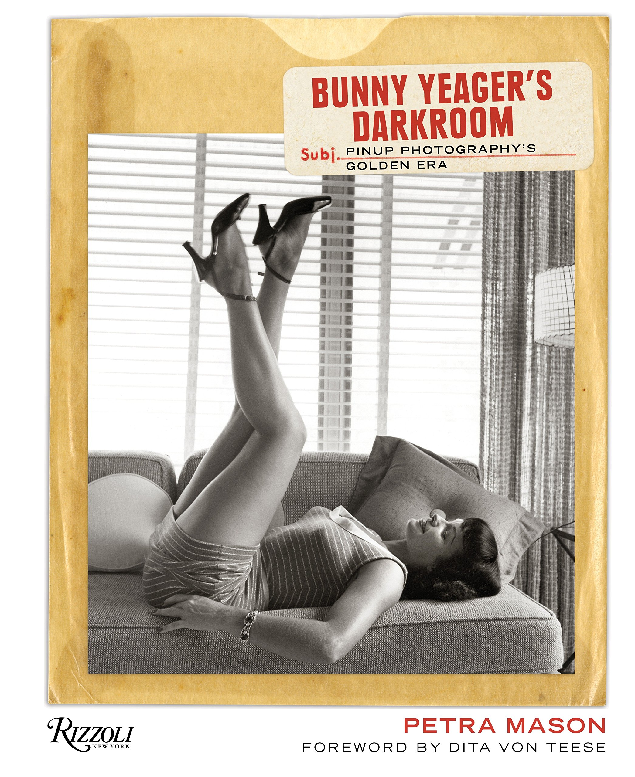 Download Bunny Yeager's Darkroom: Pin-up Photography's Golden Era pdf