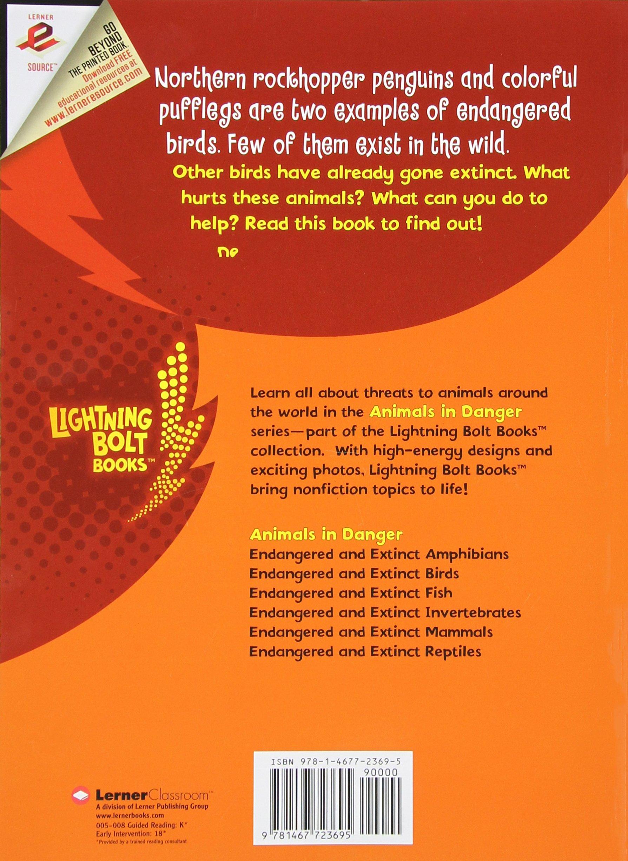 Endangered and Extinct Birds (Lightning Bolt Books - Animals in ...