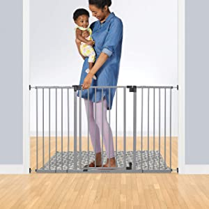 Summer Infant Secure Space Extra-Wide Safety Gate, 28.5 - 52 Inch Wide, for Doorways & Stairways, Auto-Close & Hold-Open, Grey