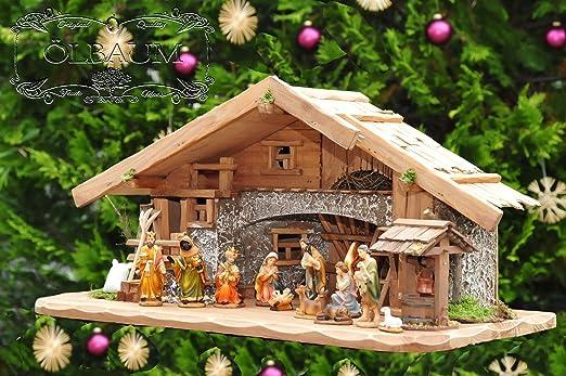 60 cm PREMIUM Weihnachtskrippe, mit LED + Brunnen + Dekor, ÖLBAUM ...
