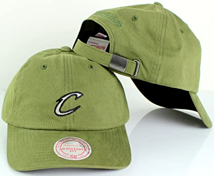 06c348a0 Mitchell & Ness NBA Morbido Slouch Strapback Dad Hat (Adjustable, Cleveland  Cavaliers)