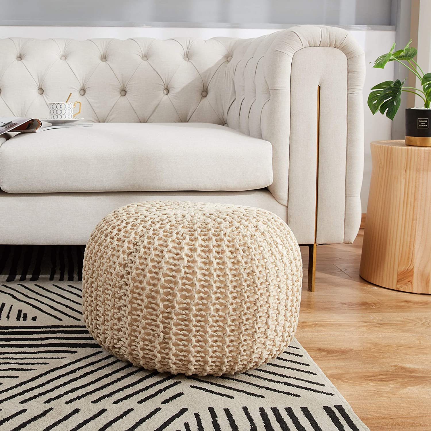 Amazon Com Cheer Collection 18 Round Pouf Ottoman Chunky Hand Knit Decorative And Comfortable Foot Rest Taupe Furniture Decor