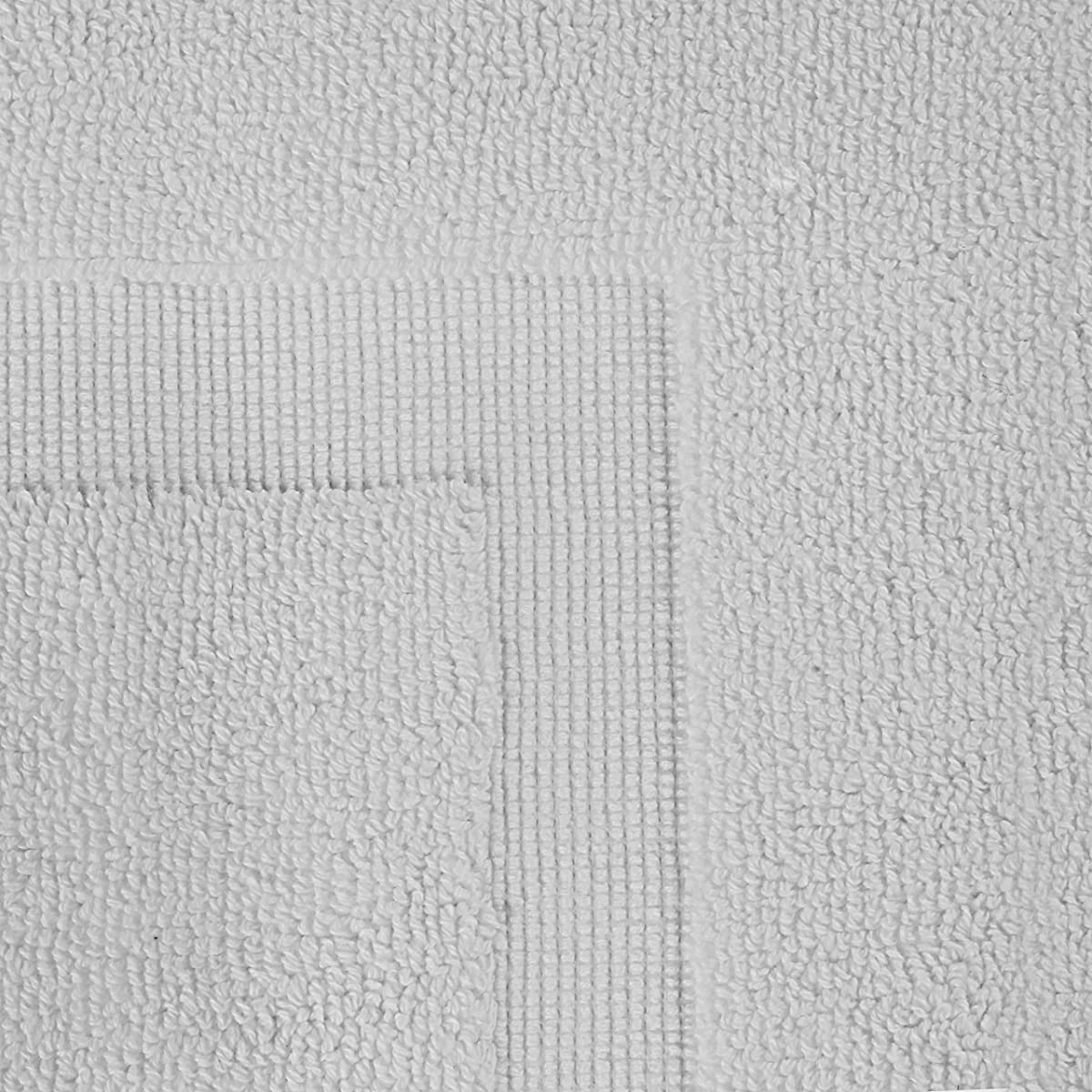 Luxury Hotel-Spa Tub-Shower Bath Mat Floor Mat - (2 Pack, White, 21 Inch by 34 Inch) - 100 Percent Ringspun Cotton, Luxury Size, Maximum Absorbency, Machine Washable - by Utopia Towels