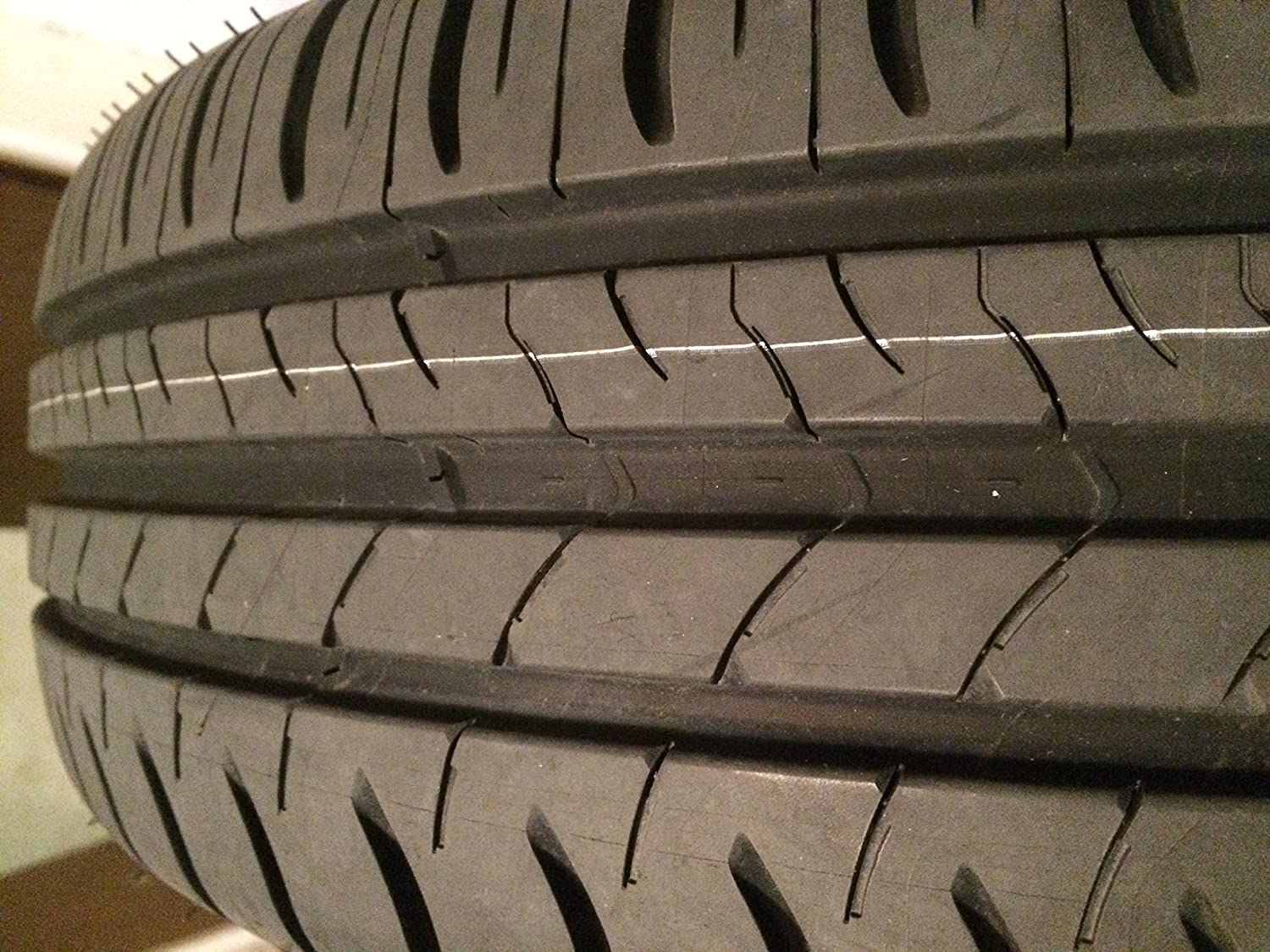 Michelin Energy Saver 185//65R15 88T Summer Tire