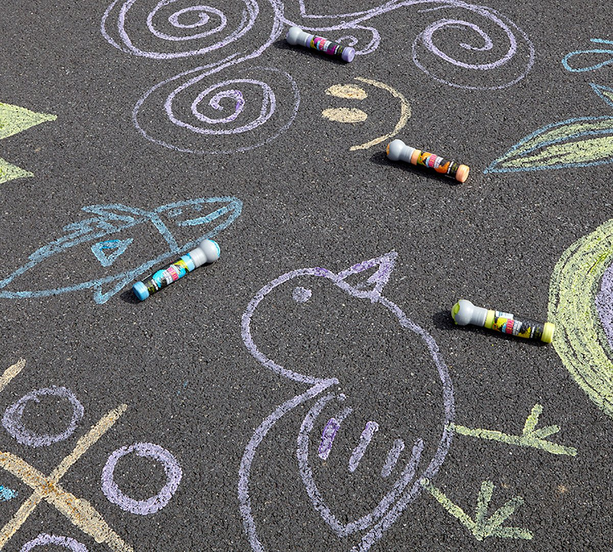 Crayola Neon Paint Markers, Outdoor Toy Sidewalk Paint, 4 Color Pack by Crayola (Image #3)