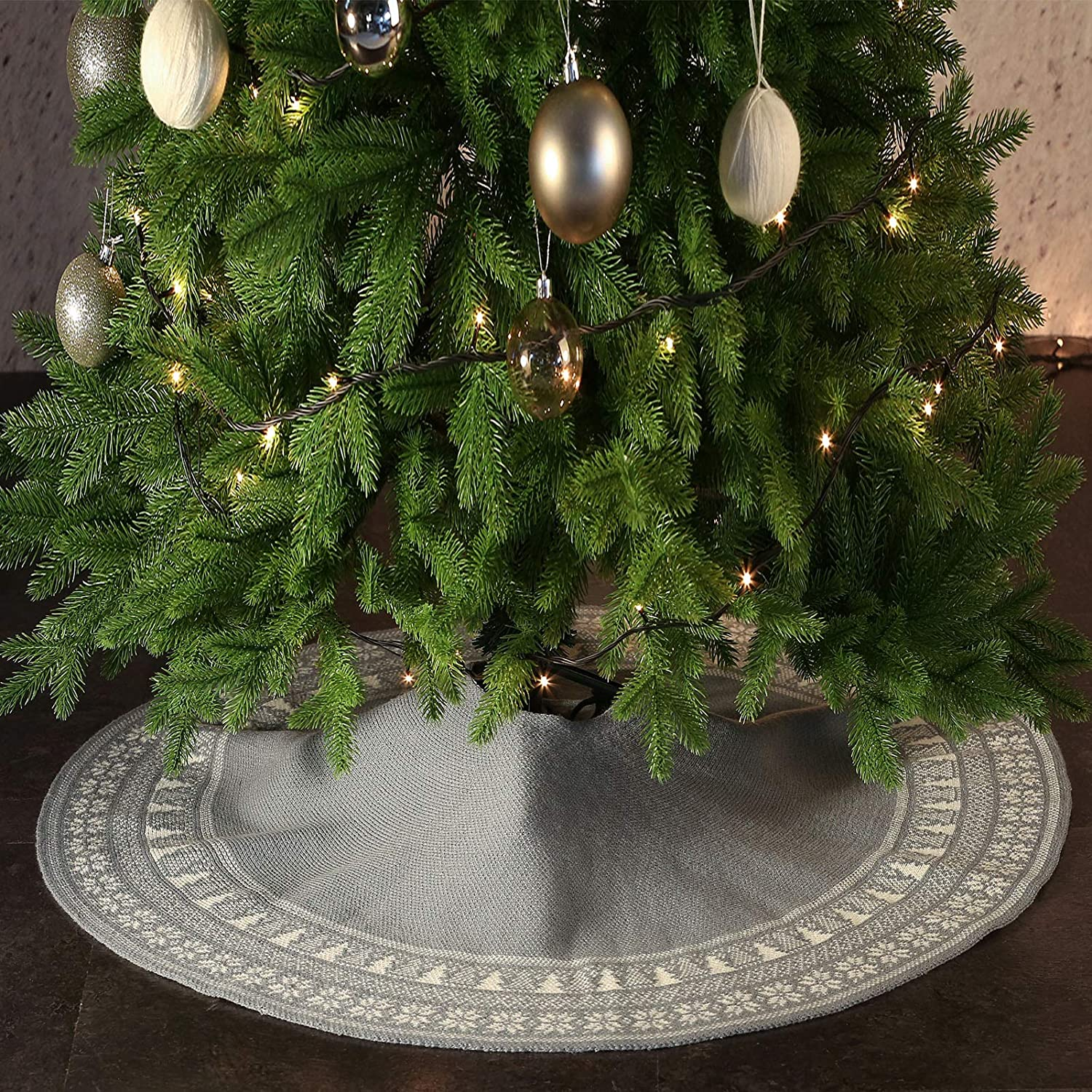 AOFEITE Christmas Tree Skirt 48 inches Large with Vintage Snowflake Border, Christmas Tree Decoration 6 to 8ft Tall Trees Suitable, Farmhouse Rustic Festive Xmas Holiday Décor Grey
