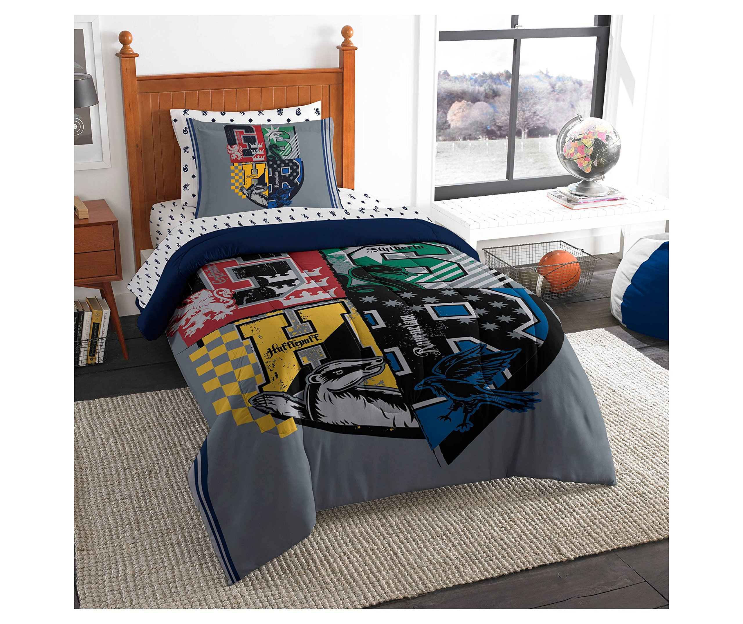 Harry Potter Comforter(Twin) and Sheets ~Very Hard to Find~ by Harry Potter & Warner Bros.