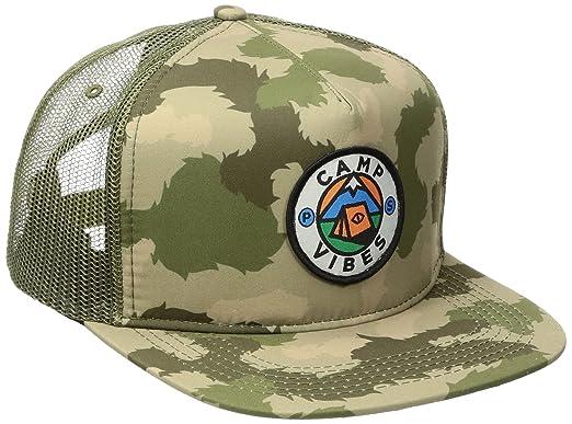 c5750911a18 Poler Camp Vibes Trucker Cap One Size Green Furry Camo  Amazon.de ...