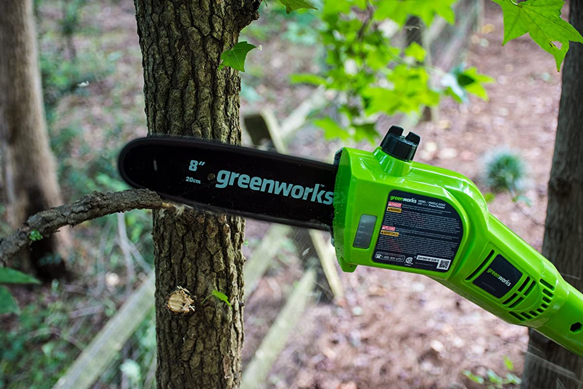 Greenworks 8.3 24V Cordless Pole Saw, 2.0 AH Battery Included 20352