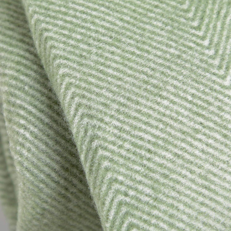 147 x 180cm Cuero Artificial y Hebillas de Metal Manta Impermeable con Asas de Transporte VonShef Manta de Picnic Verde con Patr/ón Chevron