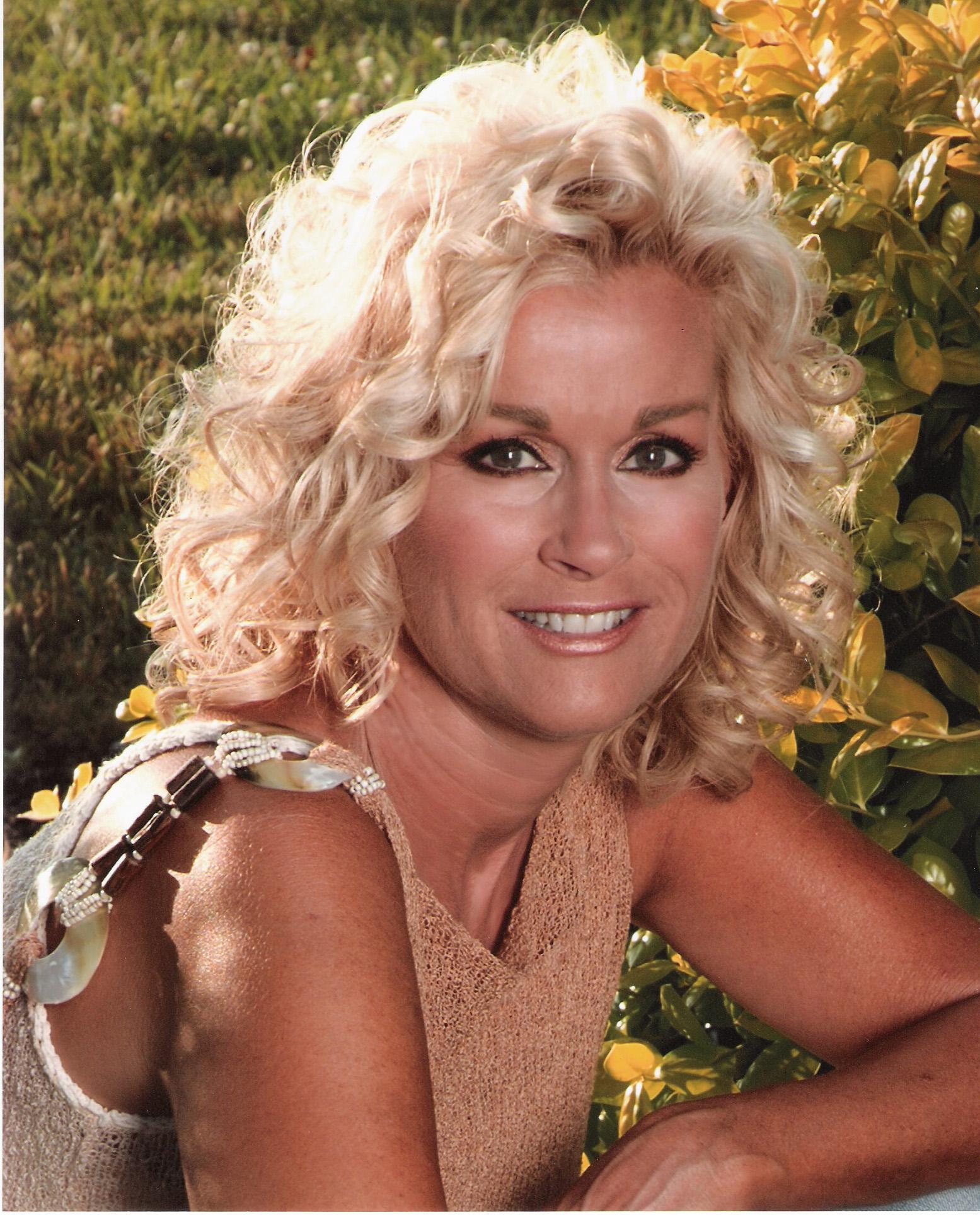 Lorrie Morgan On Amazon Music-8608