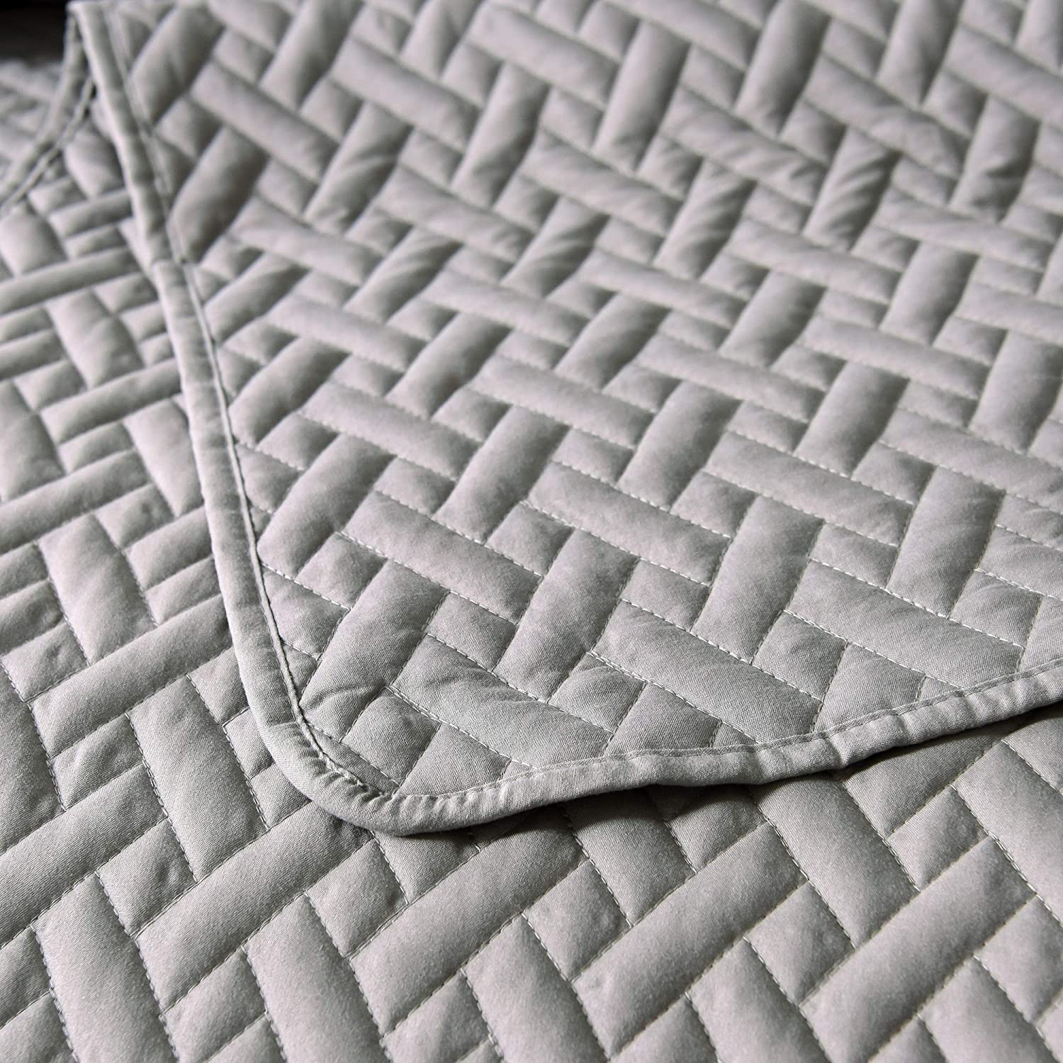 Twin Size Lightweight and Hypoallergenic 68X88 as Bedspread//Coverlet//Bed Cover -Soft Exclusivo Mezcla Luxury 2-Piece Reversible Quilt Set with Pillow Sham Solid Light Grey