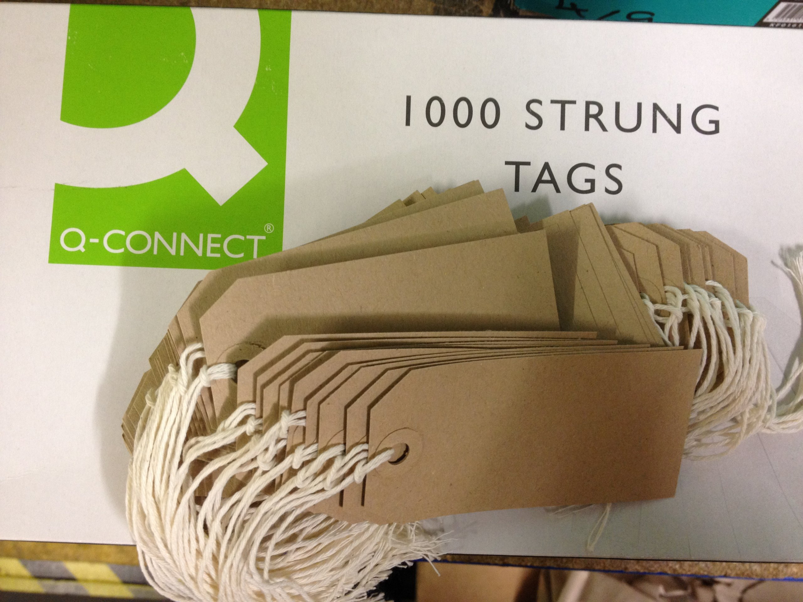 100 x Manilla Buff Strung Tags Tickets 96mm 48mm Luggage Labels
