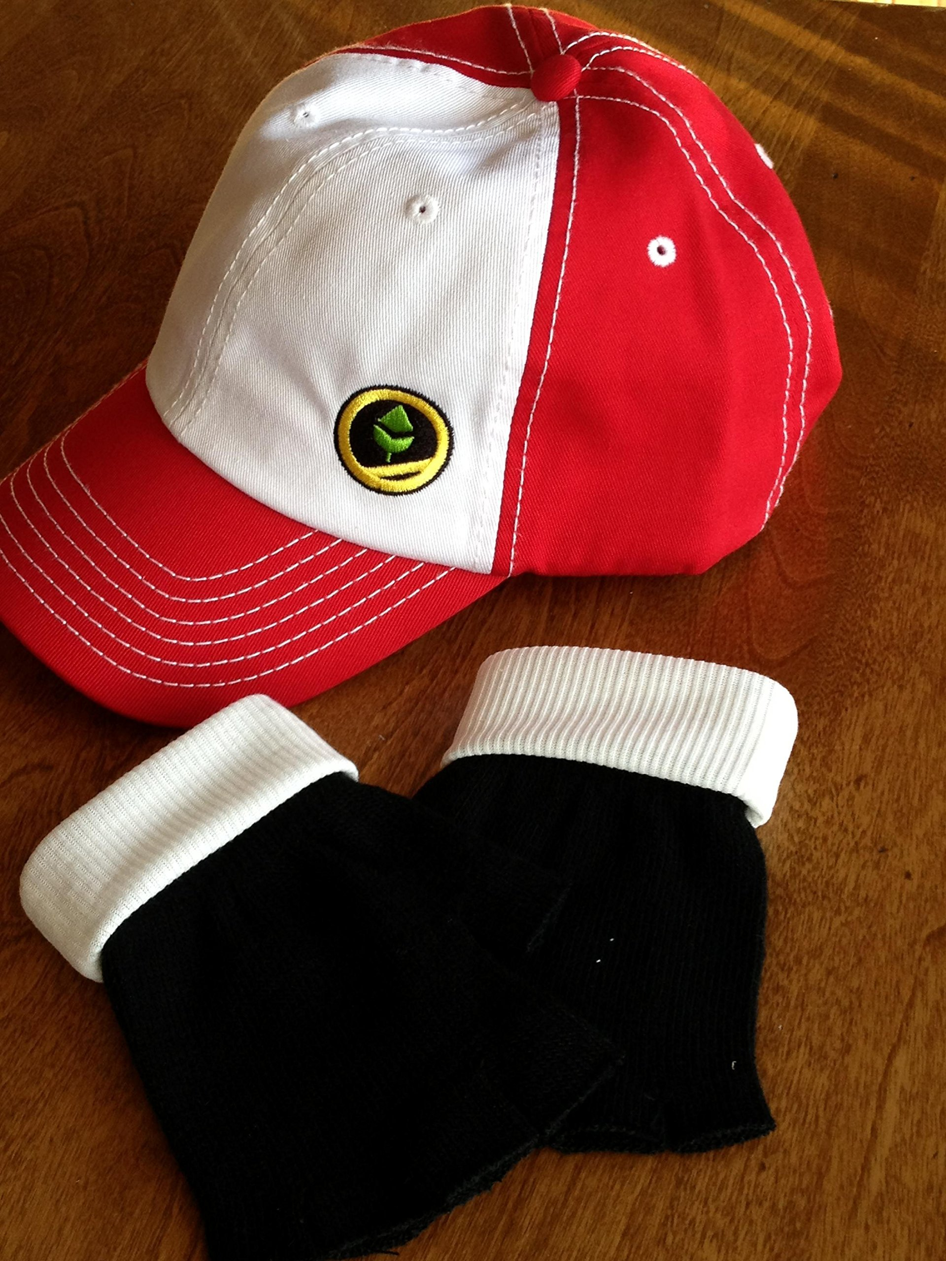 Pokemon Trainer RED - Hat & Gloves Set Hat