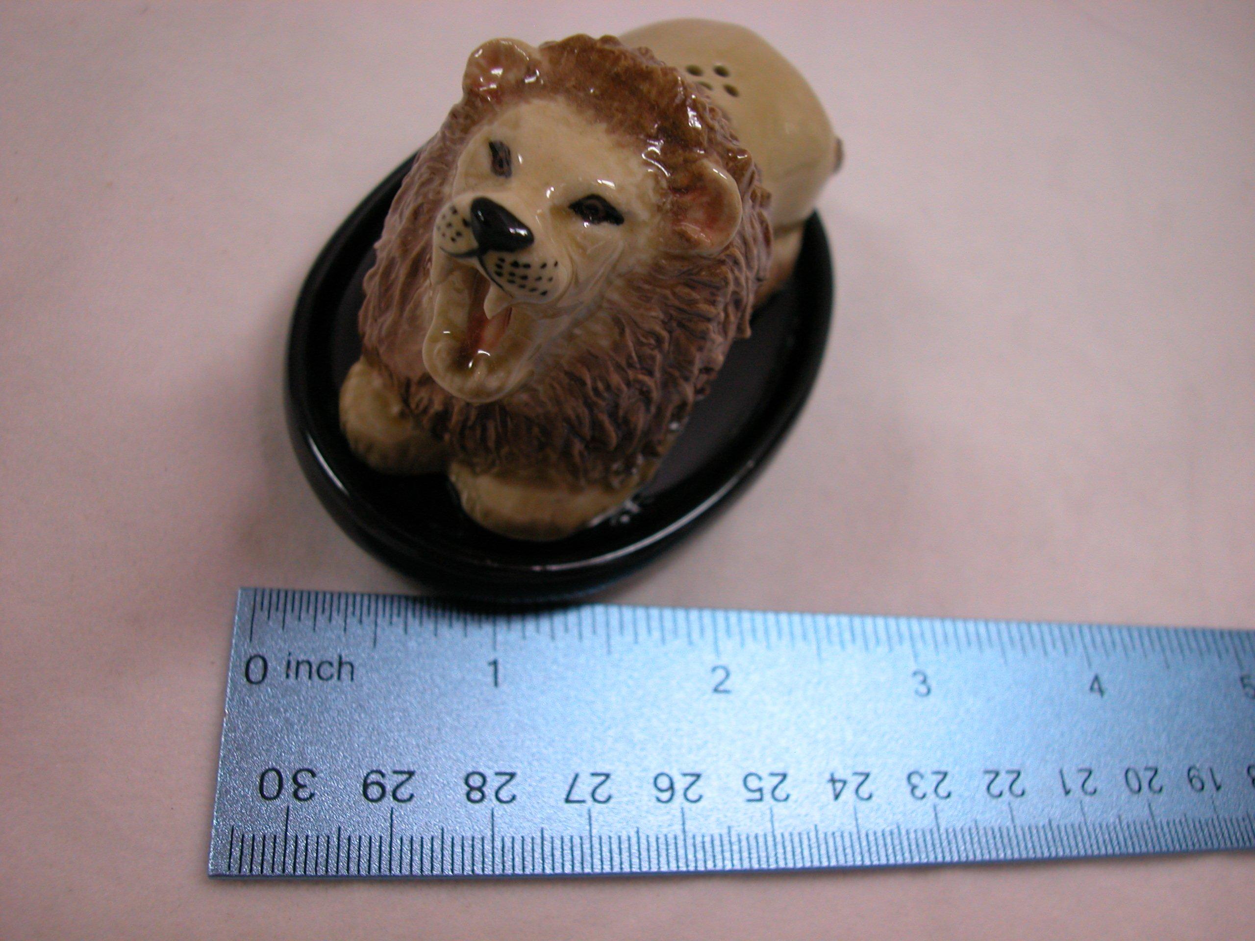 Animal Tracks Miniature Porcelain Animal Lion Salt & Pepper Shaker Set #SAP1104