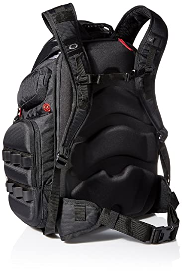 bbad2d0391 Amazon.com  Oakley Mens Big Kitchen Backpack One Size Black  Clothing