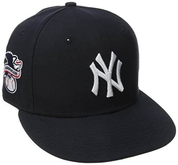 5ba9fa1afbf Amazon.com  New Era New York Yankees Baycik Men s Snapback Hat Cap ...