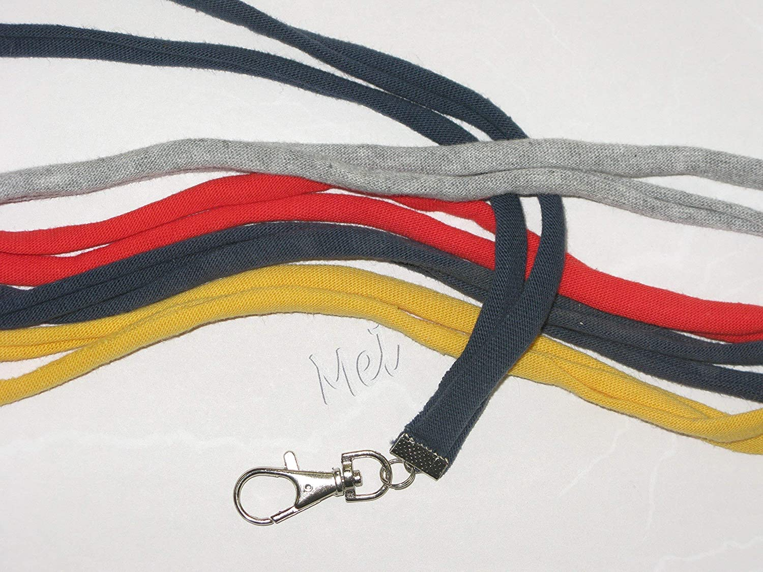B016CIJWWU Soft and Comfy Lanyard for your ID Badge, Medic Alert, Keys, etc. 91noqZeEfRL