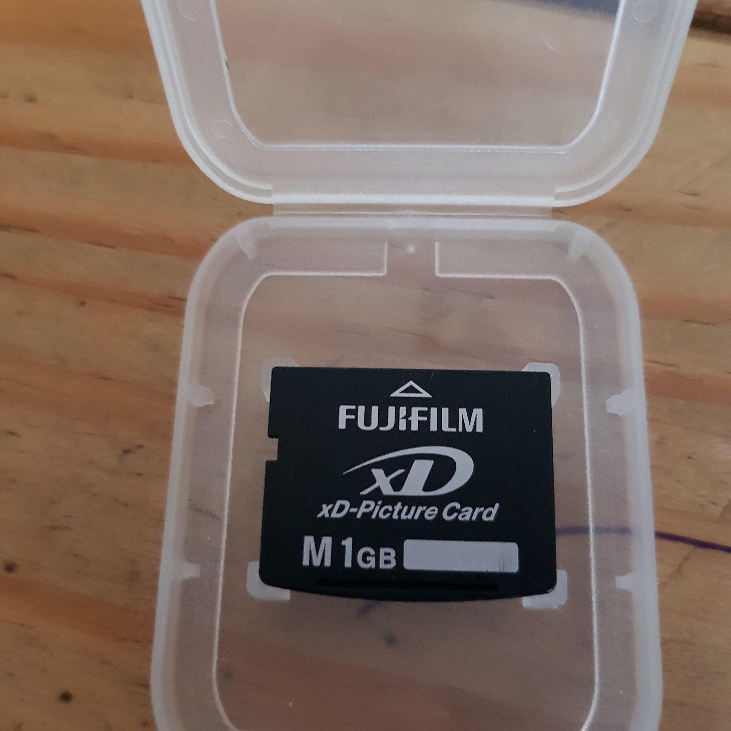 Amazon.com: 1 GB Fujifilm XD Memory Card Type M FujiFilm 1GB ...