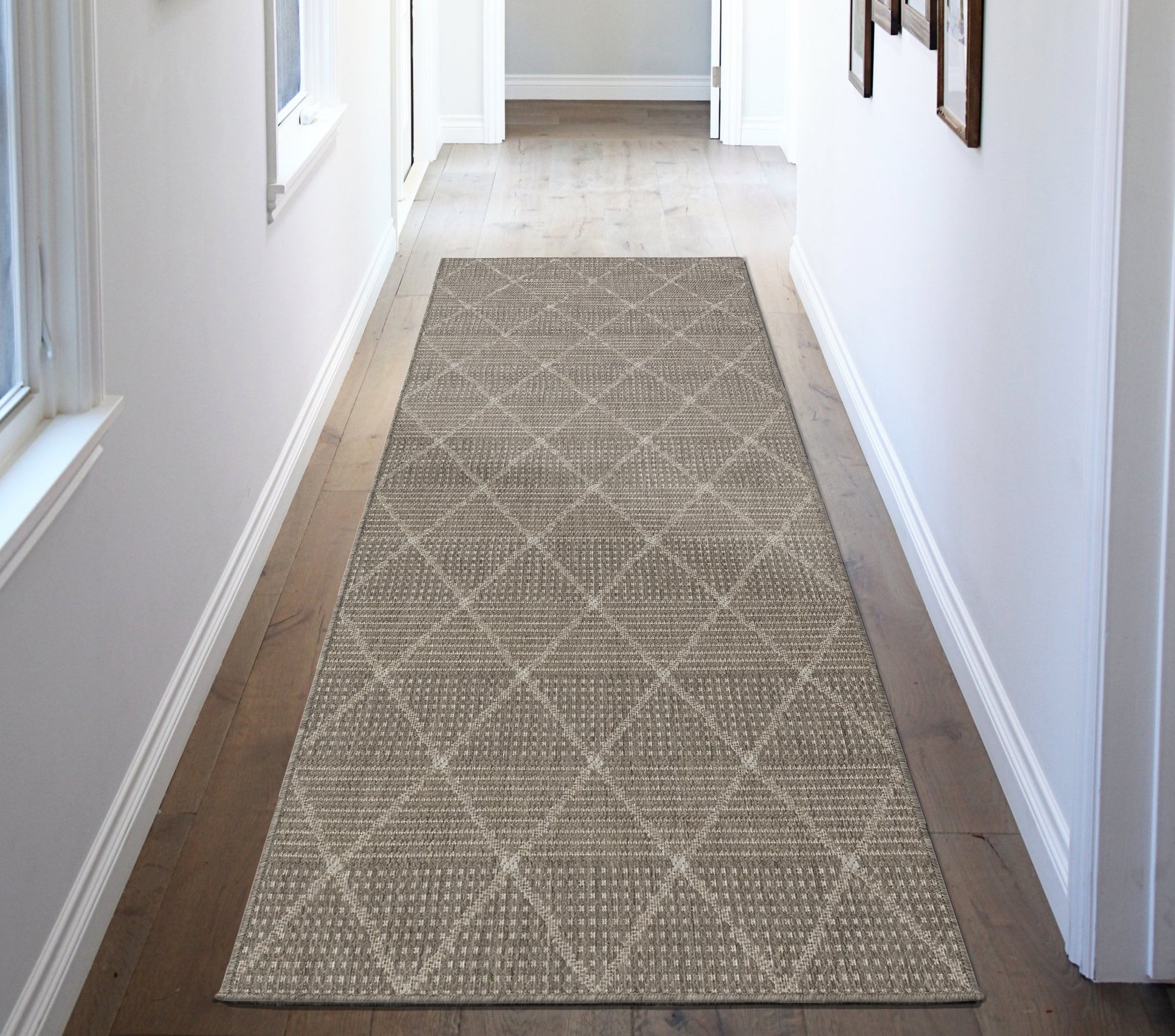 Ottomanson Jardin Collection Contemporary Trellis Design Indoor/Outdoor Jute Backing Synthetic Sisal Runner Rug, 2'7'' x 7'0'', Grey by Ottomanson